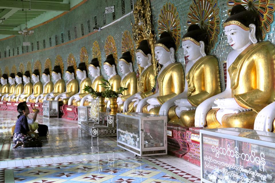 Sagaing, Les arts et la culture, Rangée infinie de bouddhas, Birmanie