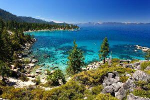 Lac Tahoe , Une eau d'un bleu pur , Etats-Unis