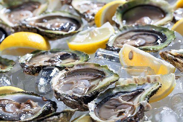 Les huîtres de pleine mer , France