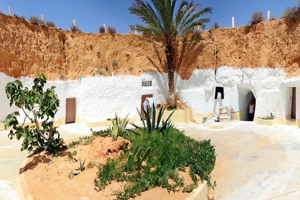 Le village de Matmata , Le désert tunisien , Tunisie