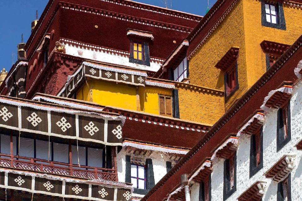 Le palais de Potala à Lhassa au Tibet , Joyau du bouddhisme tibétain , Chine