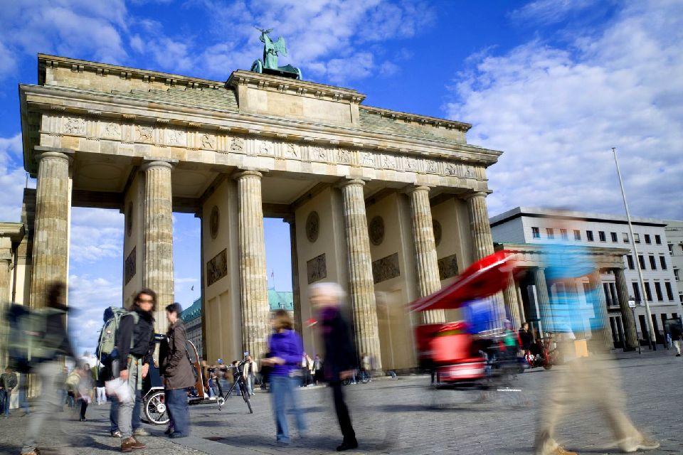 La porte de Brandebourg , Circulation devant la porte , Allemagne