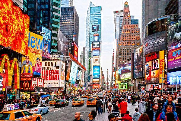 Times Square , Animation assurée à Times Square , Etats-Unis