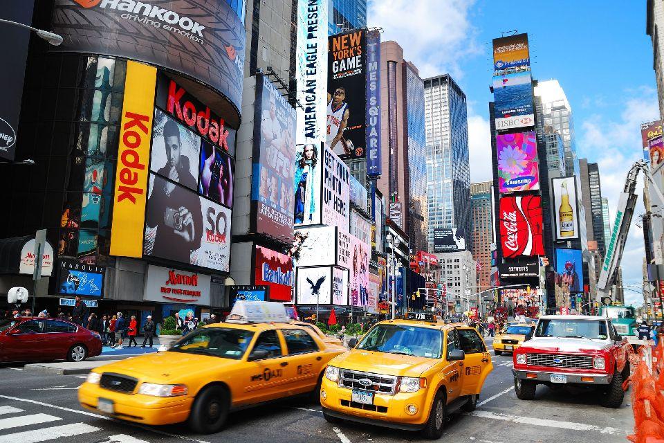 Times Square , Les taxis New Yorkais , Etats-Unis
