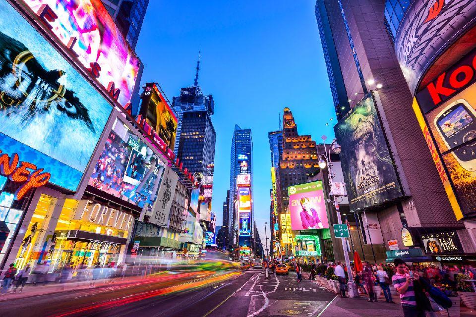Times Square , Times Square s'illumine la nuit , Etats-Unis