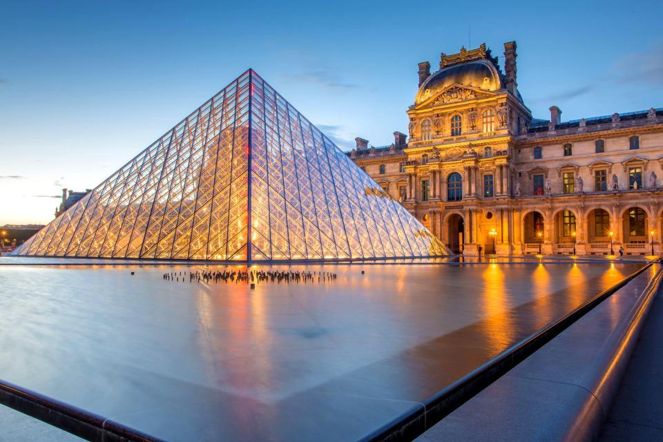 Pyramide du louvre vacances arts guides voyages - Inauguration pyramide du louvre ...