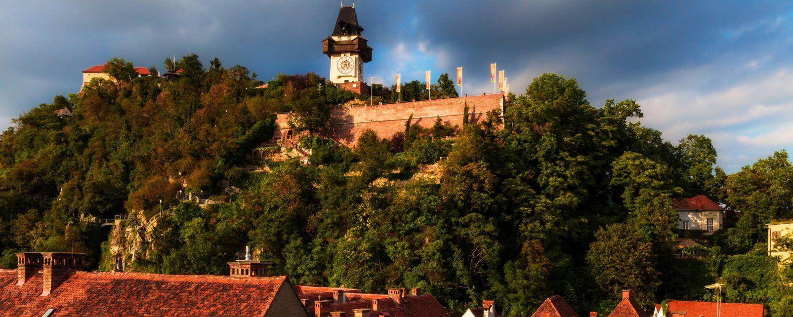 Les arts et la culture, graz, autriche, europe, vieille ville, histoire, tour de l'horloge, horloge, schlossberg.
