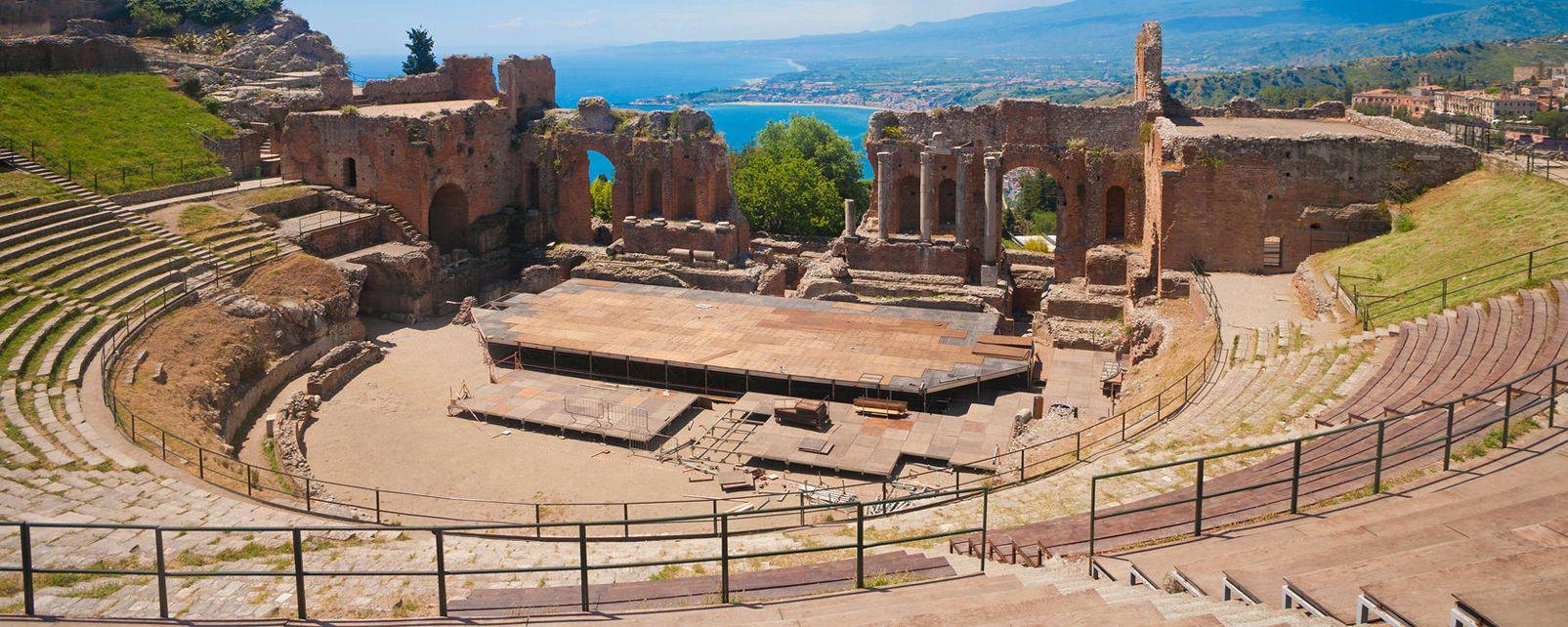 L'amphithéâtre de Taormine , Italie