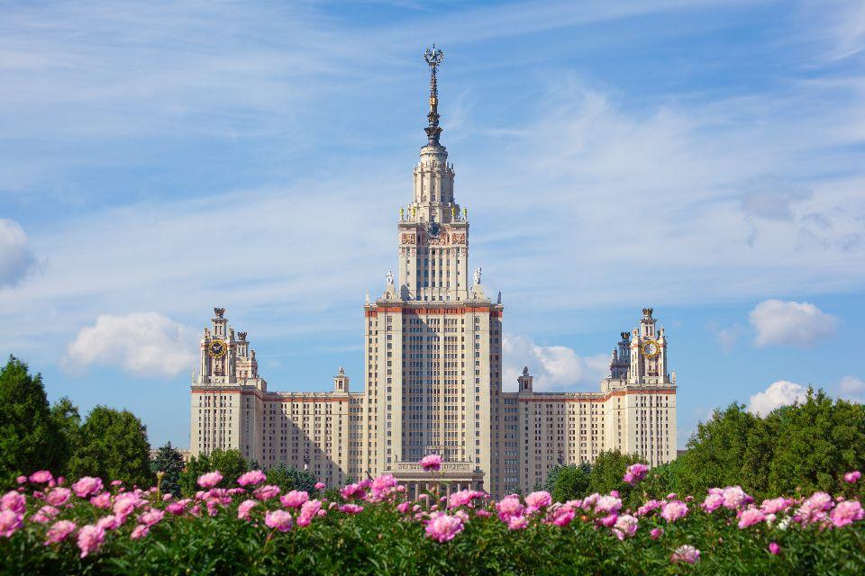 Les sept gratte-ciel sœurs de Moscou , Russie