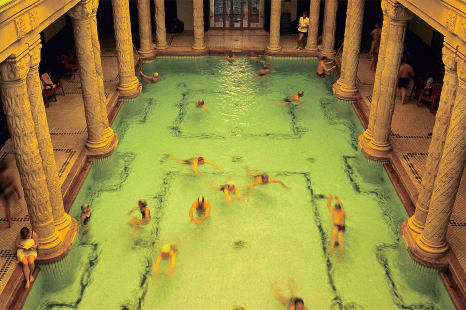 Les bains thermaux de Gellert , Hongrie