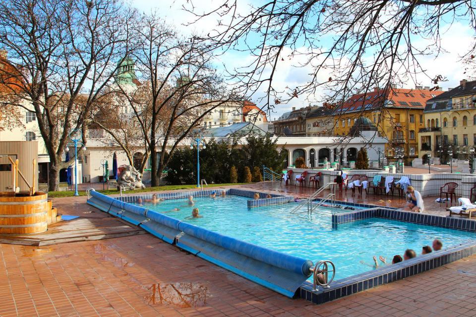 Les bains thermaux de Gellert , Les règles d'hygiène , Hongrie