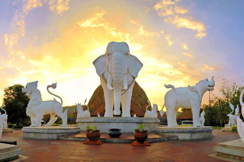 Les temples de Chiang Mai , Le Wat Rong Khun , Thaïlande