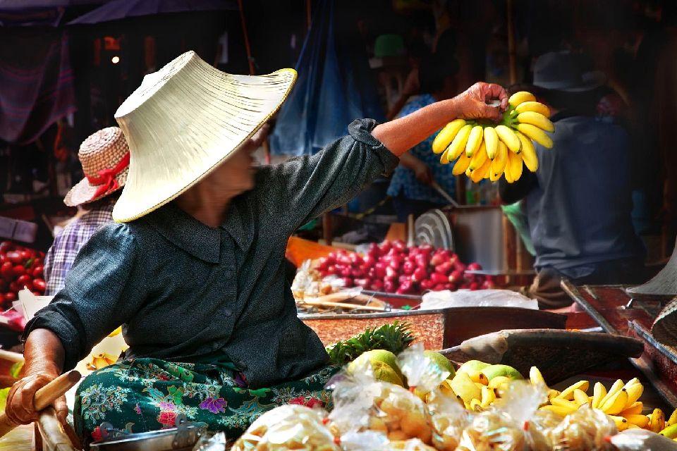 Les marchés flottants de Bangkok , Les fruits du marché , Thaïlande
