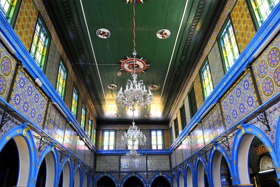 La synagogue de Djerba , Somptueux plafond , Tunisie