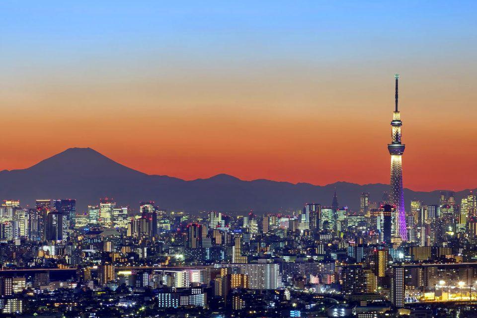 TOKYO , La Tokyo Skytree , Le mont Fuji en toile de fond , Japon