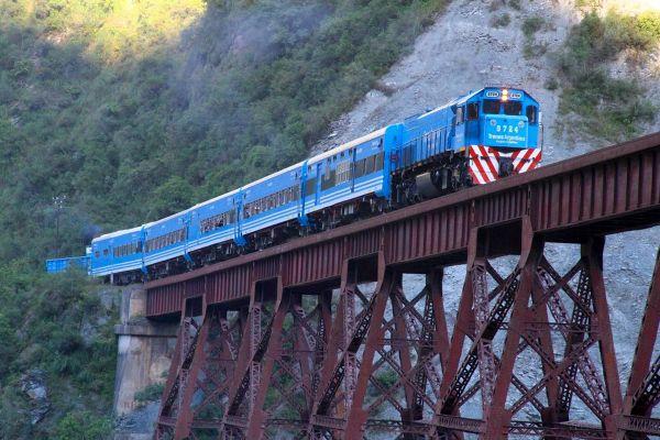 Les arts et la culture, train, transport, ferroviaire, argentine, amérique, sud, latine, des nuages, pont, viaduc: