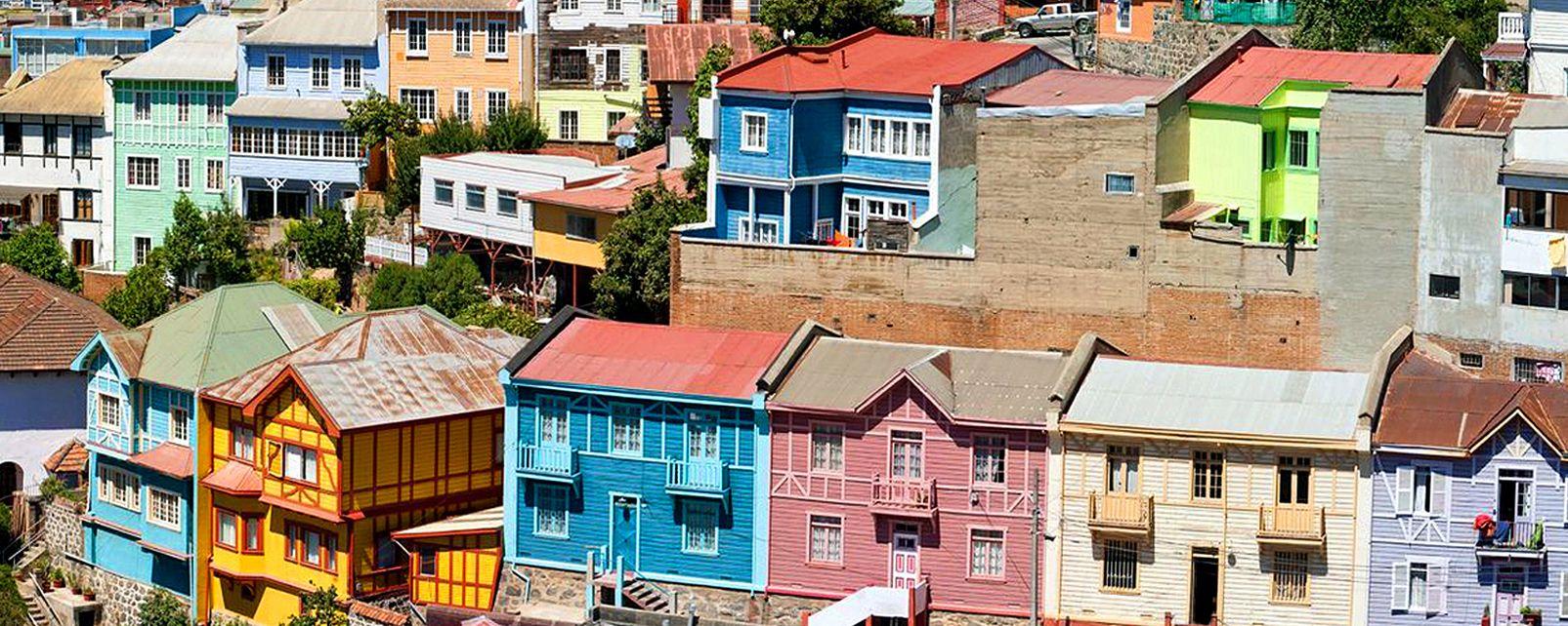 Les maisons colorées de Valparaiso , Chili