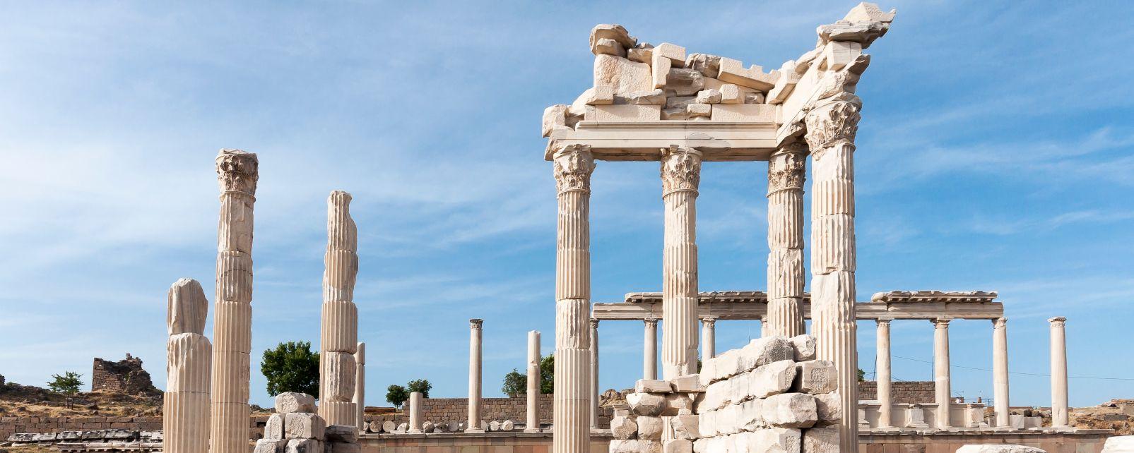Les monuments, Pergame, Turquie, Asie, archéologie, antiquité, temple, grec, grèce antique, temple, trajan