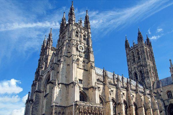 église datant du Royaume-Uni déceptions de rencontres en ligne émergent malgré les avances