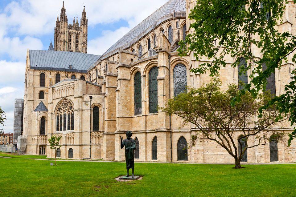 La cathédrale de Canterbury , Vue extérieure de la Cathédrale de Canterbury , Royaume-Uni