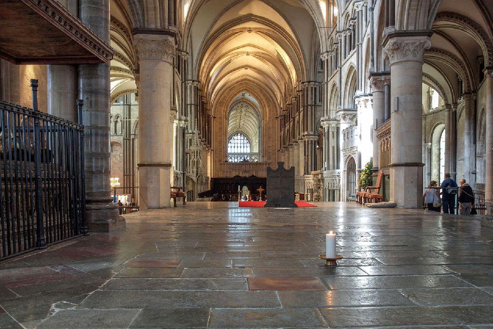 La cathédrale de Canterbury , Une bougie pour Thomas Beckett , Royaume-Uni
