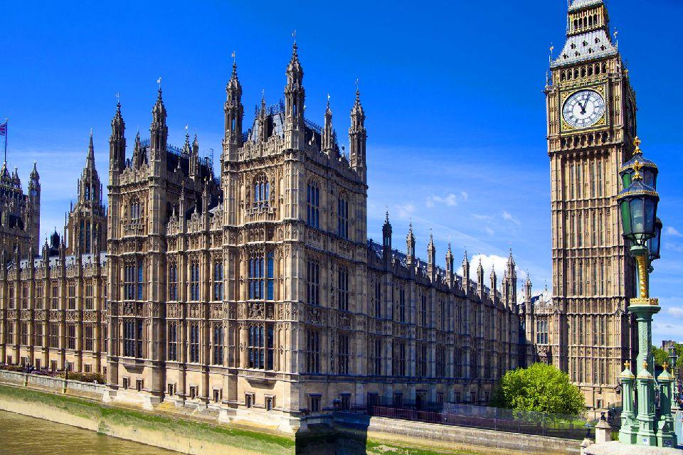 Le Palais de Westminster , Vue sur la tour de l'Horloge , Royaume-Uni