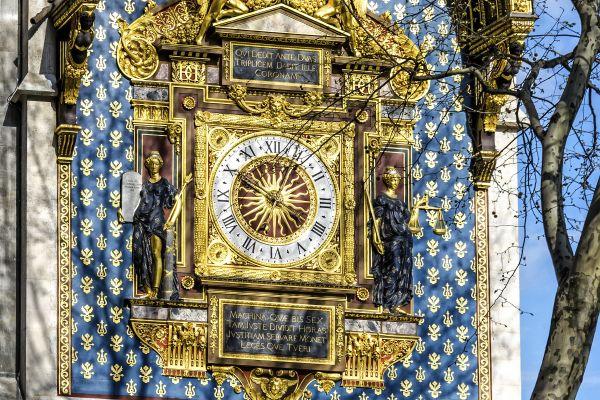 Les monuments, conciergerie, palais, prison, ile, cité, seine, ile-de-France, France, horloge, tour
