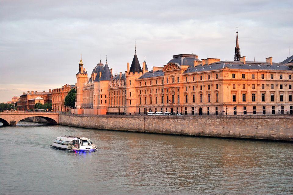 Les monuments, conciergerie, palais, prison, ile, cité, seine, ile-de-France, France