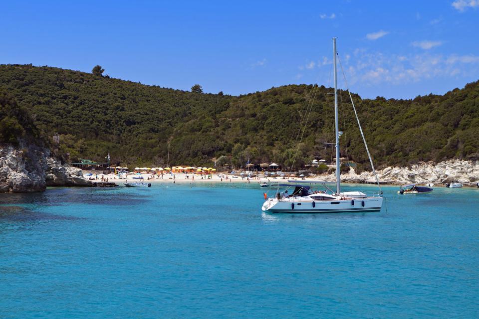 La plage de Voutoumi à Antipaxos , Grèce