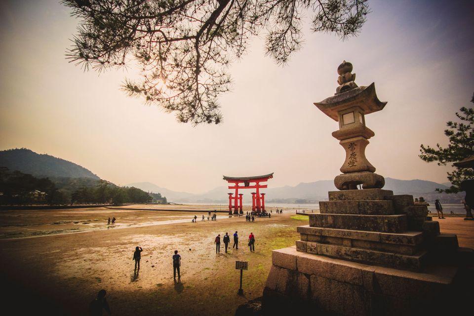 Sanctuaire shinto d'Itsukushima , L'île sacrée d'Itsukushima , Japon
