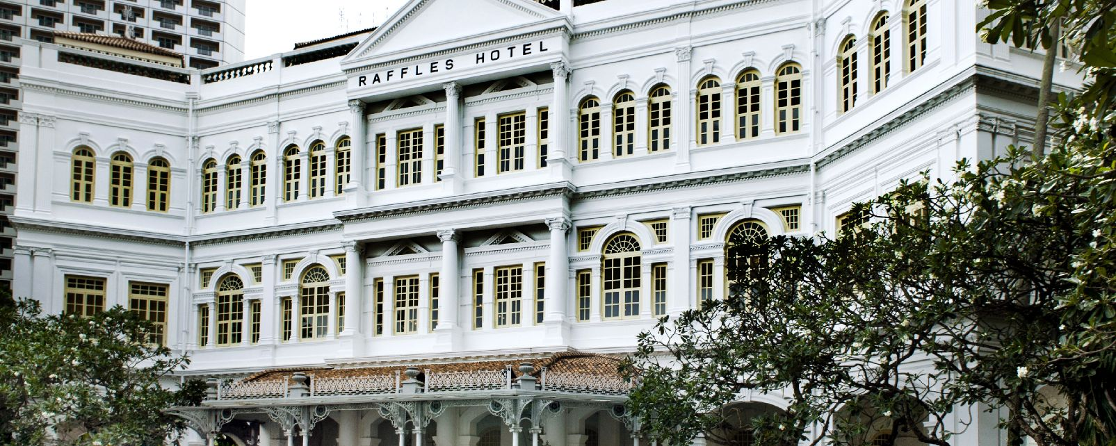 Le Long bar du Raffles et son Singapore Sling , Singapour