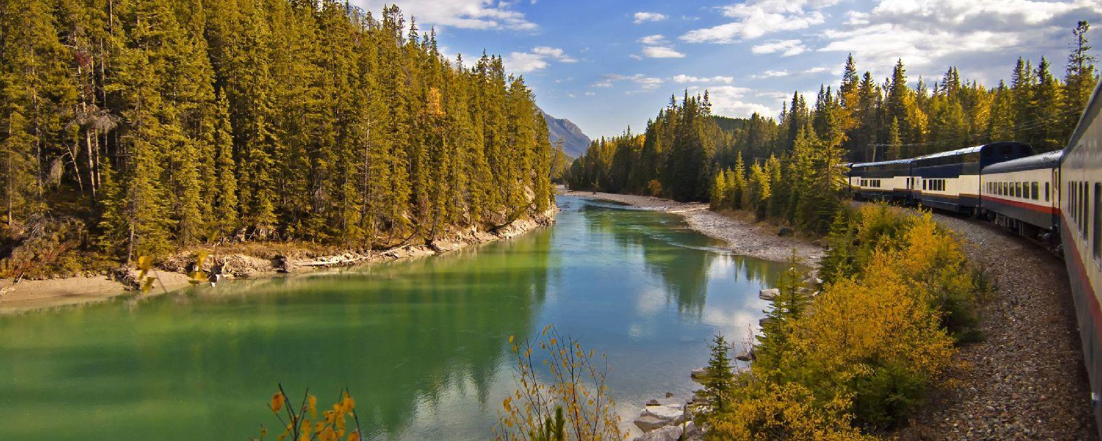Le train à travers les Rocheuses , Canada