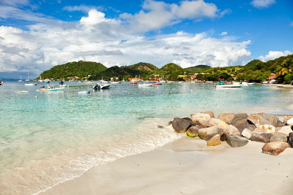 Le port des Saintes , Les îles de Guadeloupe
