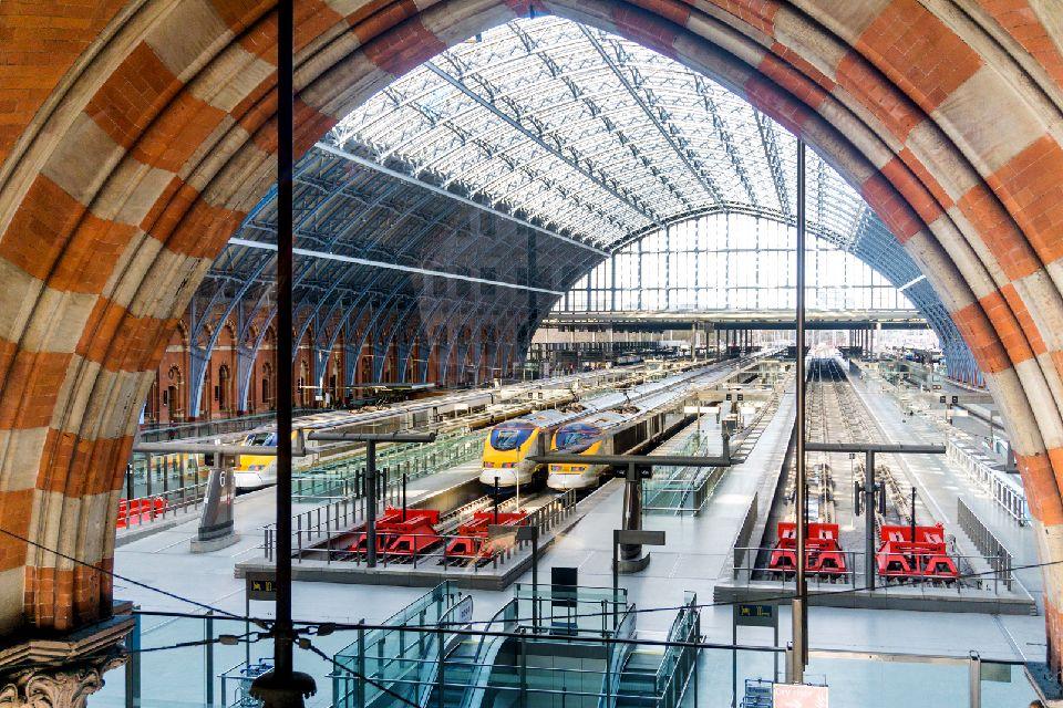 St. Pancras Station , Regno Unito