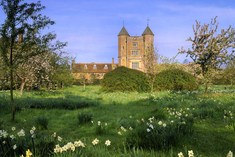 Sissinghurst Castle Garden , Au loin, le château , Royaume-Uni