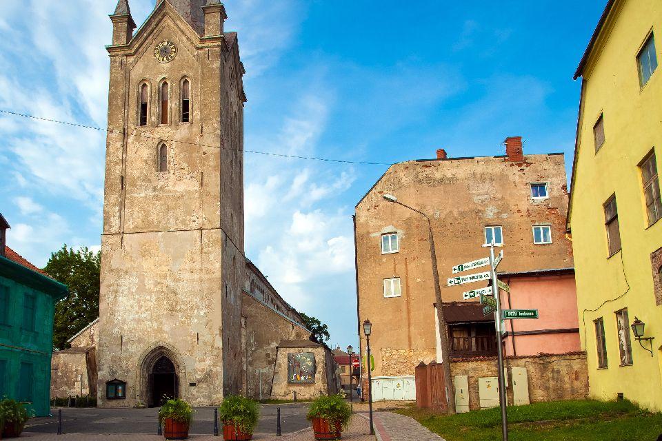 La vieille ville de Césis , Lettonie