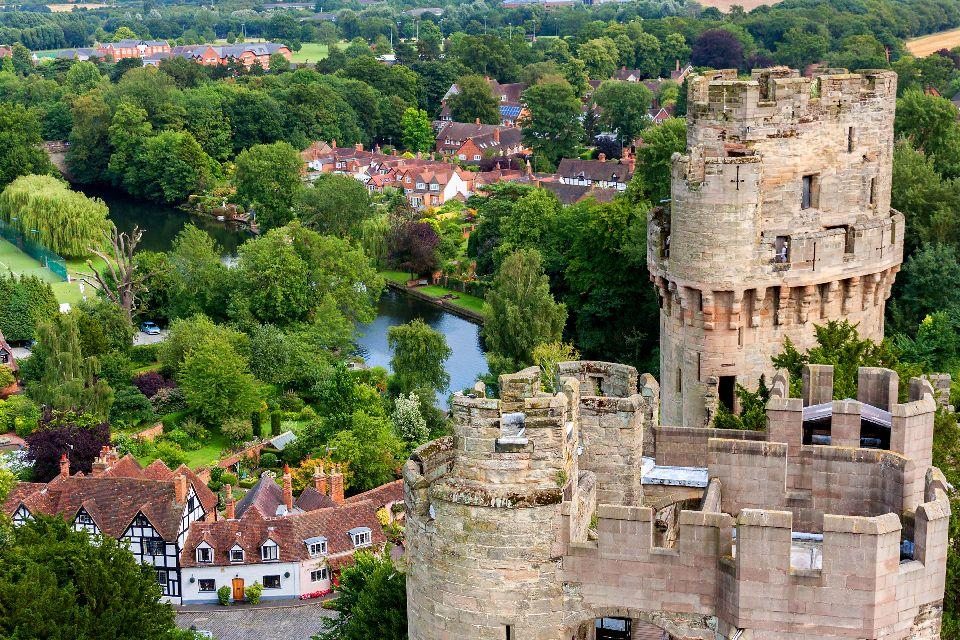 Warwick Castle , Au bord de l'eau , Royaume-Uni
