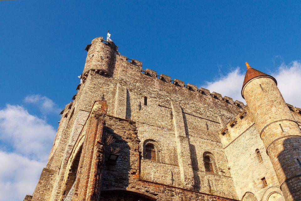 Le chateau des Comtes de Flandres à Gand , Belgique