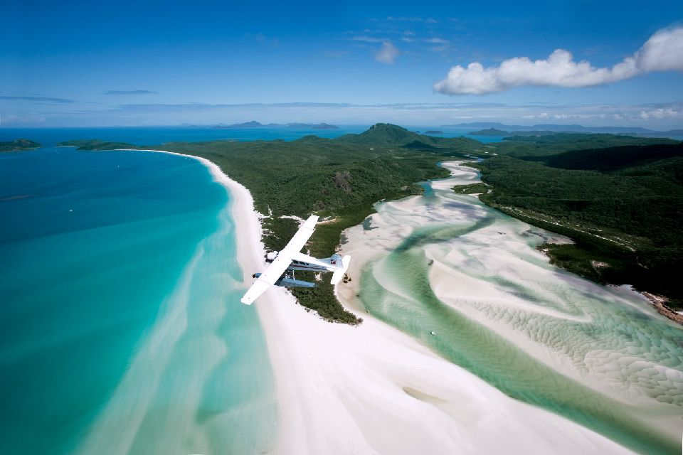 Whitehaven Beach dans le Queensland , Australie