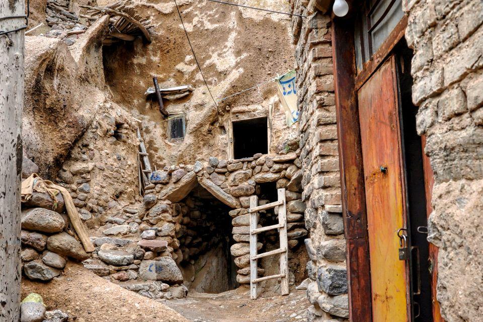 Le village troglodyte de Kandovân , Iran