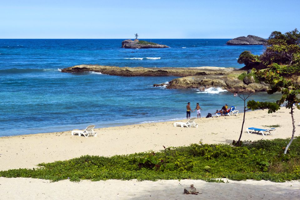 Les monuments et les balades, Malecon Puerto Plata République Dominicaine Caraïbes mer océan