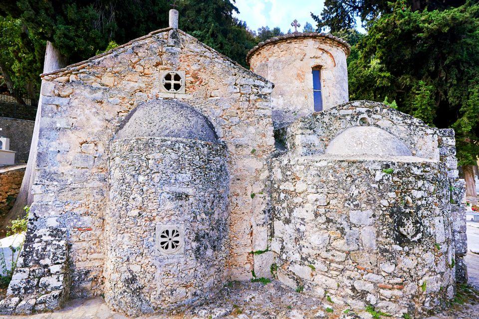 Elefterna, Los monumentos, Creta