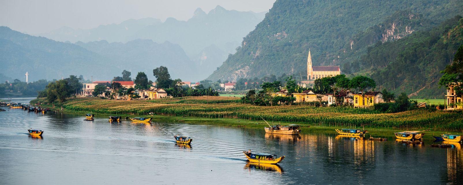 Asie, Vietnam, Parc national de Phong Nha, Ke Bang, bateaux, lac, village, montagne