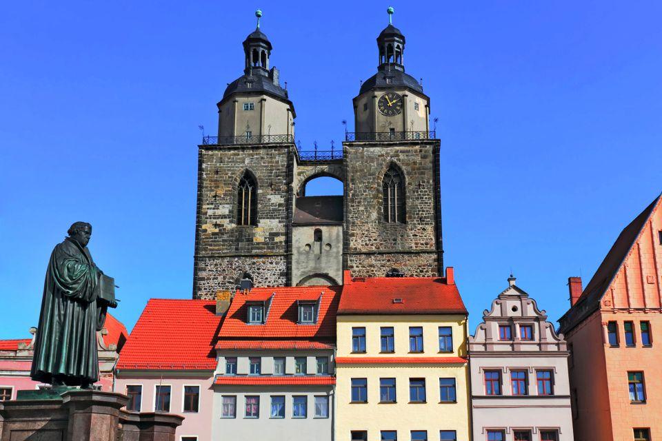 Les arts et la culture, Wittenberg Allemagne Saxe-Anhalt Europe Luther Statue Cathédrale immeubles maisons