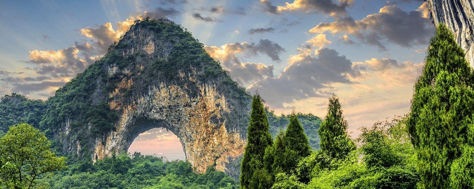 , La colline de la Lune à Yangshuo, Les paysages, Les provinces de l'Ouest