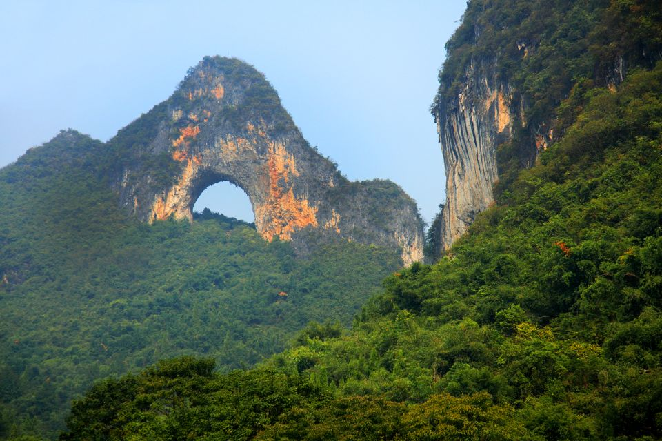 Les paysages, GÈographie Asie Chine Chine du sud RÈgion du Guangxi Guilin Colline GÈologie Lune montagne nature Paysage Rocher tourisme Habitant de Chine DÈposer