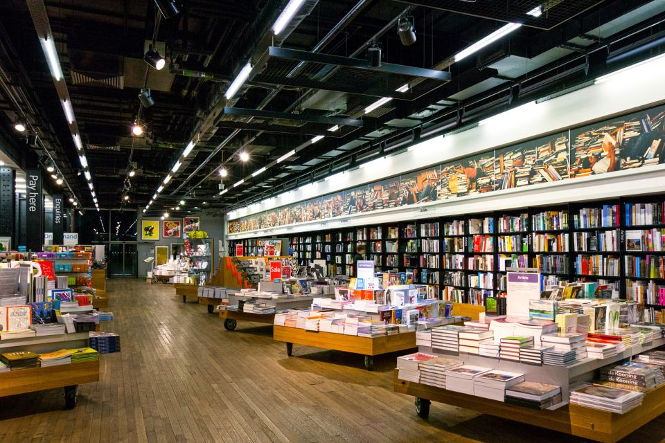Les arts et la culture, london, uk, art, book store, england, europe, gallery, indoor, light, nobody, tate