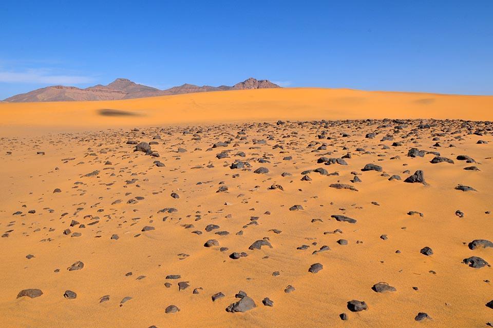 The Grand ergs , Algeria