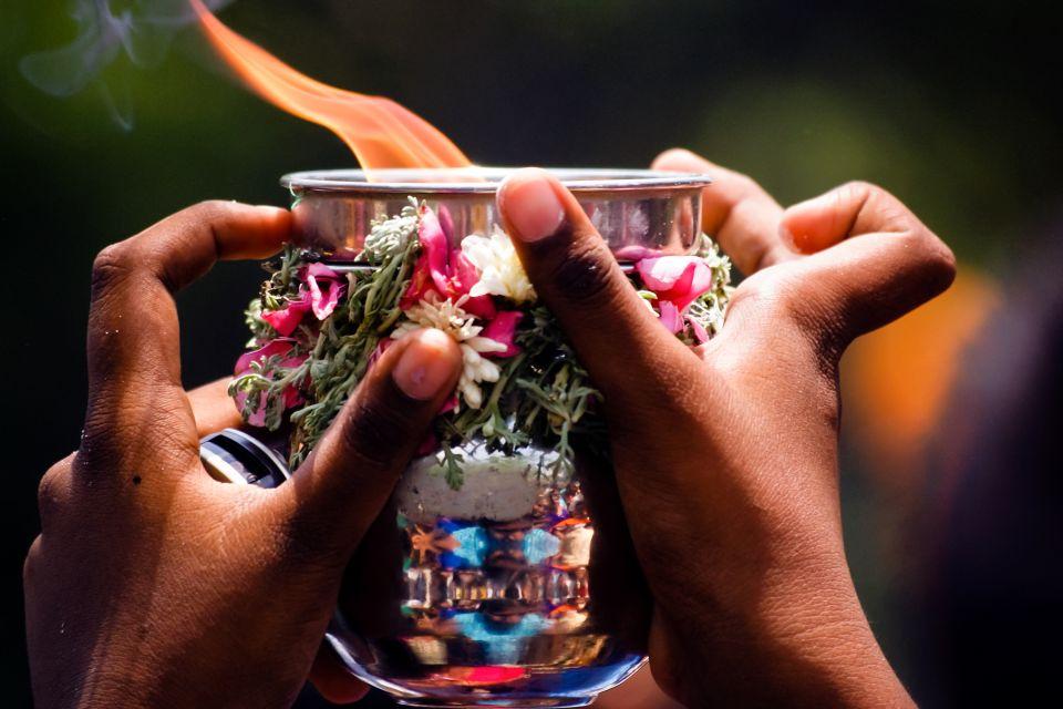 Les monuments, Inde, Asie, Madurai, Meenakshi Amman Kovil, Meenakshi Amman Temple, Sundareswarar, Temple, religion, indouhisme, Tamil Nadu, temple, Tiru-aalavaai, offrande, fleur; minakshi;
