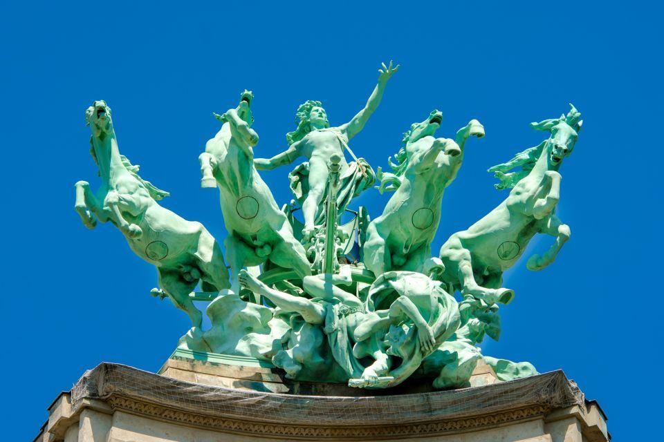 Statue conquérante sur le toit du Grand Palais, Le Grand Palais, Les arts et la culture, Ile de France